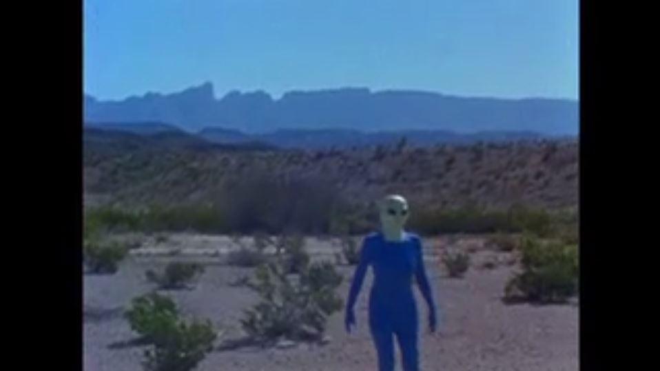 The martian wander in the desert.